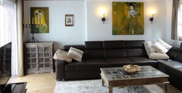 genoveva-gemach-living-room