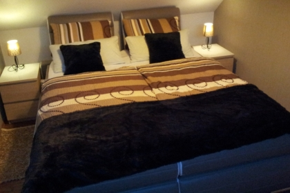 Boxspringbett-in-der-Marilyn-Suite